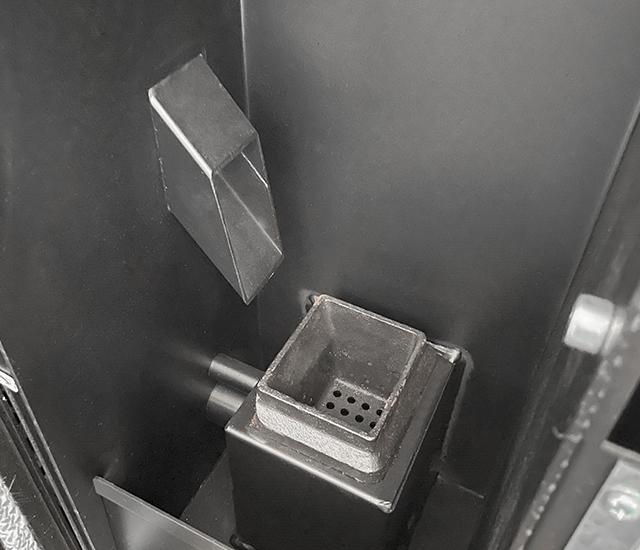 detail interieur et brasero de poele a granule SID